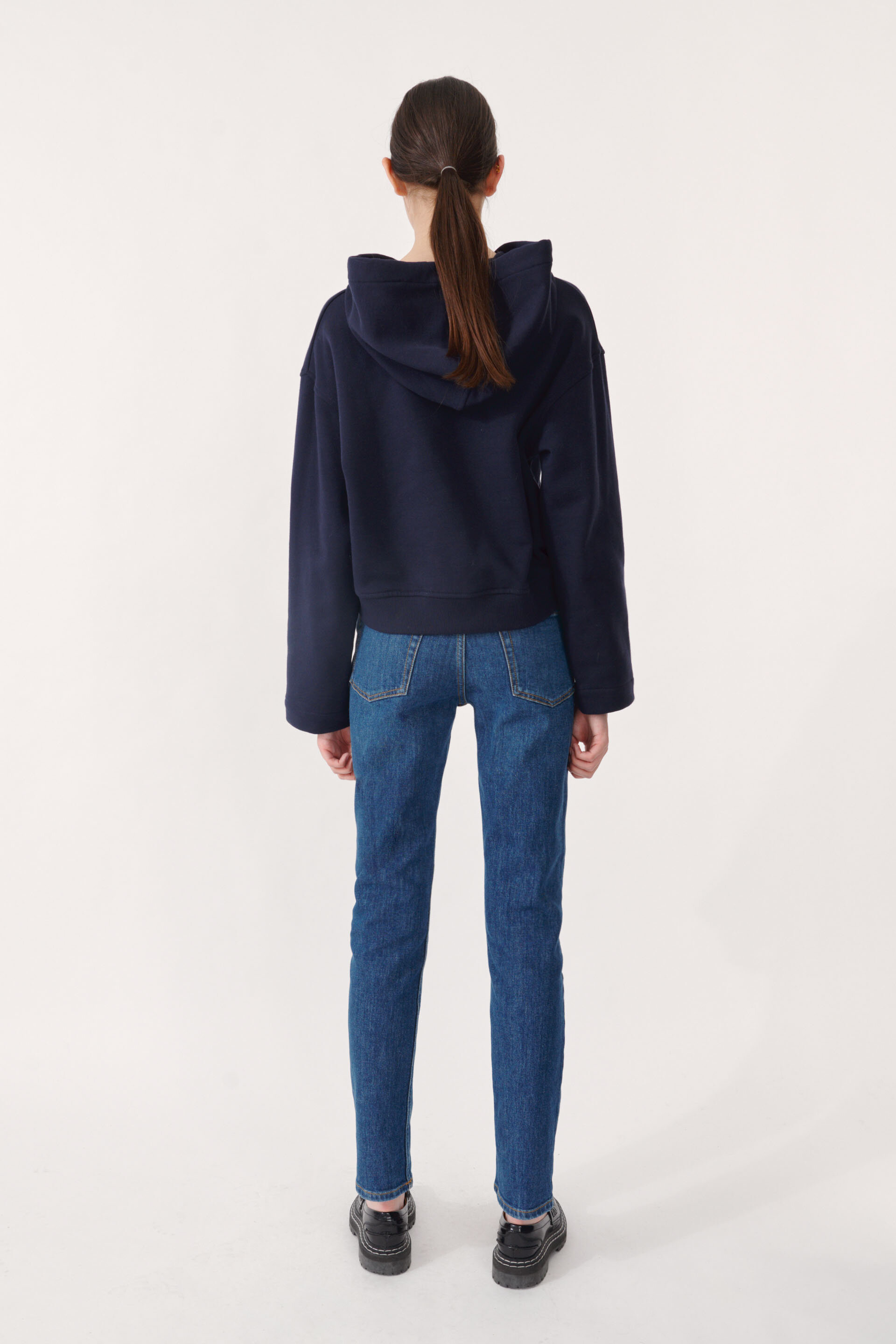 Jeroma Bp Sweater Night Sky A thick hooded sweatshirt with a loose fit, cropped silhouette, and logo embossed at the chest - detail image