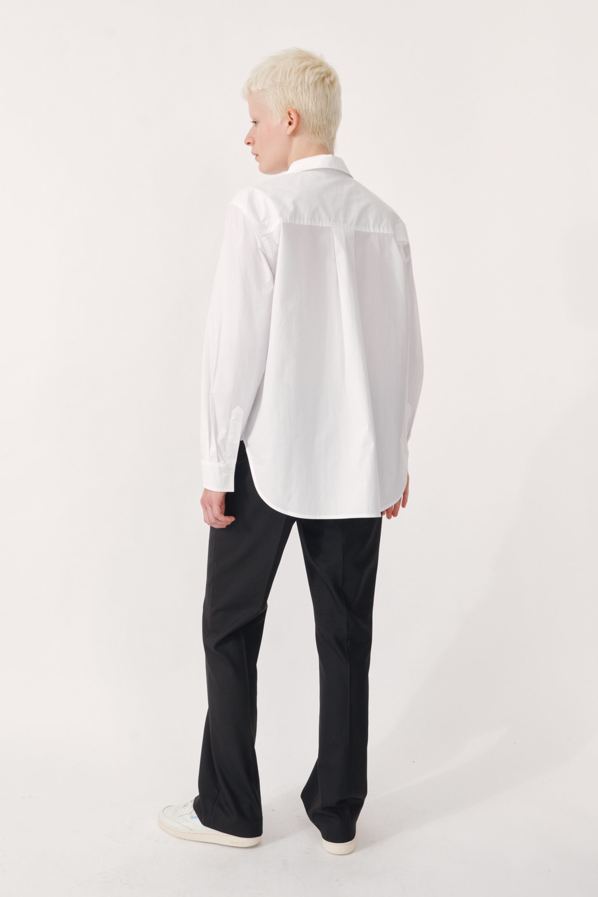 Maxene Shirt Bright White A crisp cotton button-up shirt with an oversized fit and long sleeves - detail image